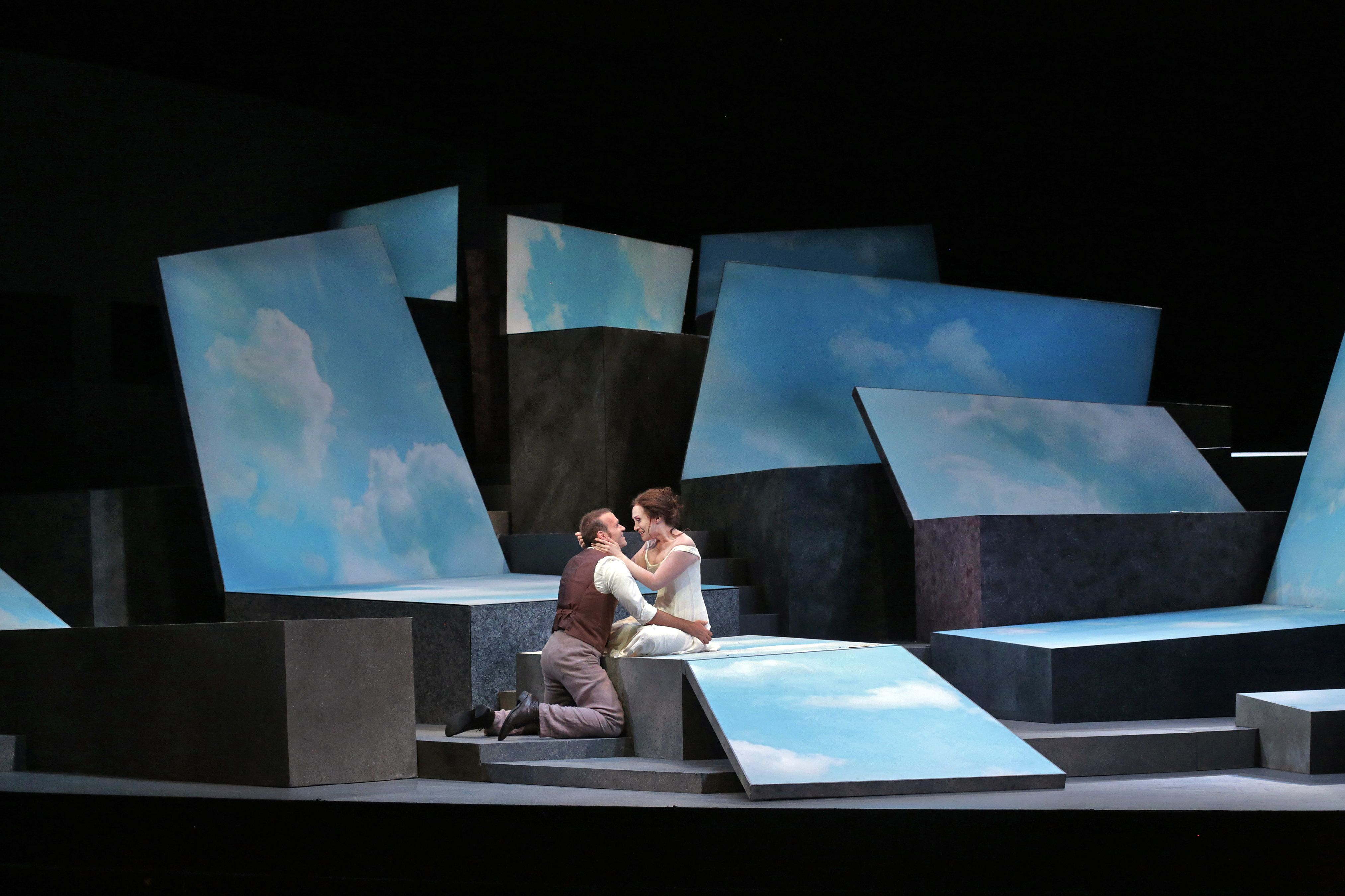 dessay santa Dessay first performed the role of violetta at the santa fe opera in 2009, two years before this, her european debut of the part some observers felt the role's demands exceeded dessay's voice and speculated that such challenges may shorten her career.