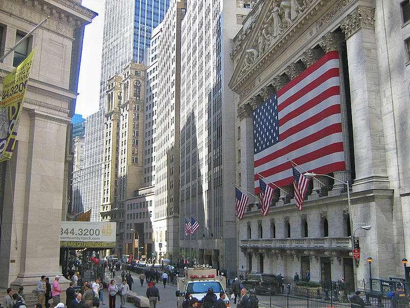Wall Street | ABD'de, New York kentinde, Manhattan'ın Güneyinde Ülkenin Önde Gelen Bazı Finan..