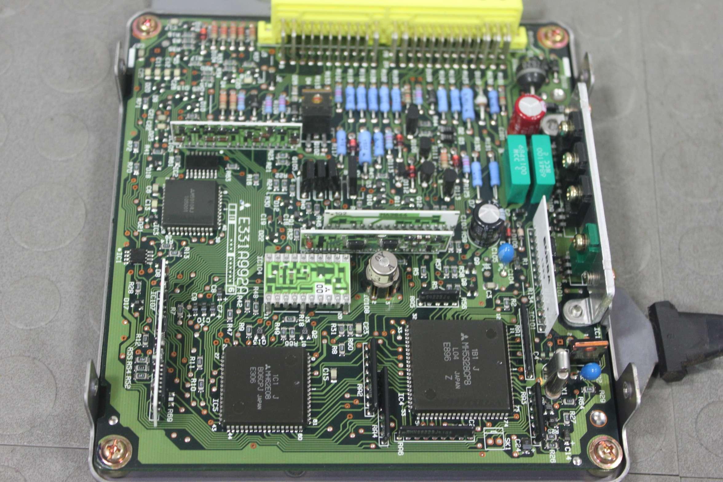 91 92 93 Mazda B2600i Truck Engine Computer Control Module Ecu G618 18